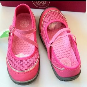 NWT Girl Mary Jane Shoes